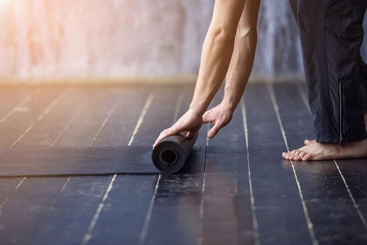 best-yoga-mat-for-bad-knees-min